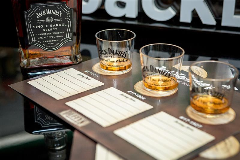 Duffy's Sports Grill unveils Jack Daniel's Single Barrel Offering